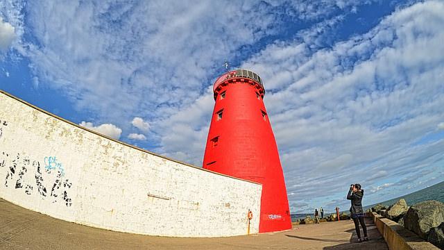 poolbeg-lighthouse